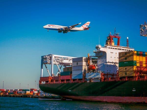 Produits importés d'Asie par bateau